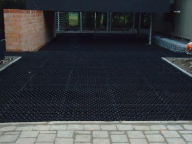 Easygravel® Kieswaben / Rasengitter verwendet auf Einfahrt
