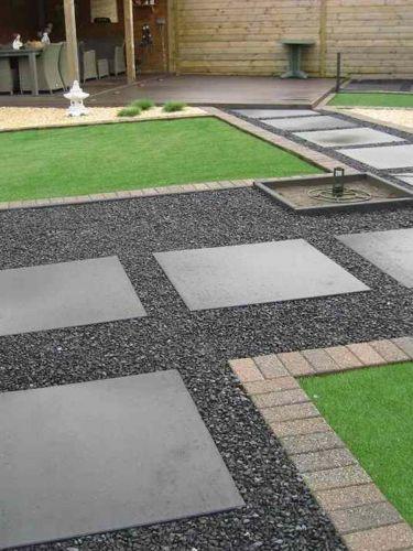 Basalt split 8 - 16mm aangelegde tuin