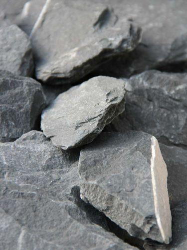 Canadian Slate Bruchsteine schwarz 60 - 180mm close