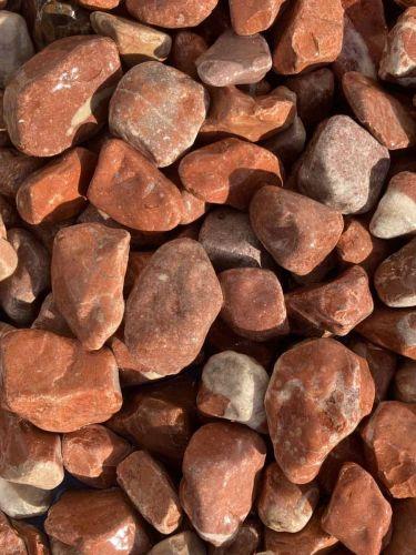 Canto rodado rojo mármaol 25 - 40mm (mojado)