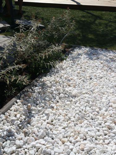 Crystal white grind 25 - 40mm aangelegd