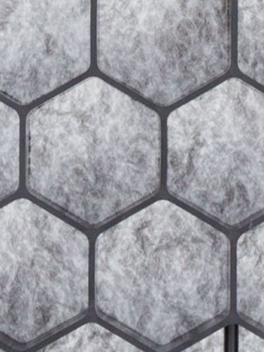 Detalle de geoceldas con malla antihierba adherida