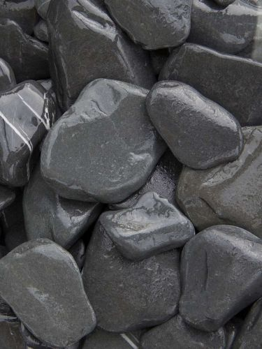 Flat Pebbles Schwarz 30 - 60mm naß