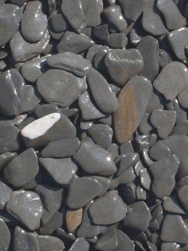 Flat Pebbles zwart 15 - 30mm nat