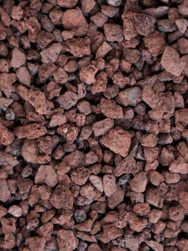 Grava volcánica rojiza 6 - 12mm en seco