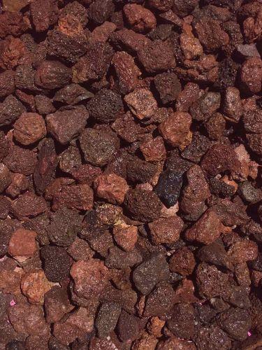 Grava Volcánica Marrón 10 - 20mm mojada