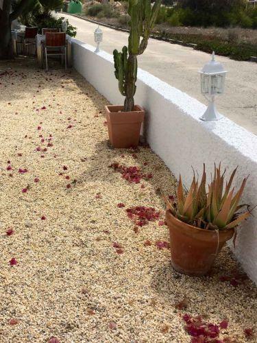 Grava Amarilla Mármol instalada en terraza