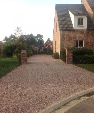 Belgisch rood split 8 - 16mm parking