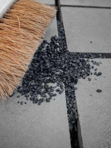 Inveegsplit zwart 2 - 5mm aangelegd