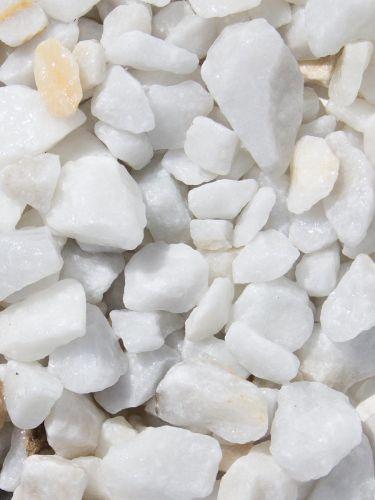 Marmorsplitt weiß 16 - 25mm naß