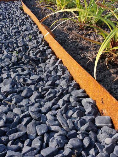 Nero ebano grind 12 - 18mm aangelegd met multi-edge Corten-staal
