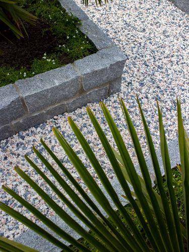 Muurstenen graniet grijs aangelegd