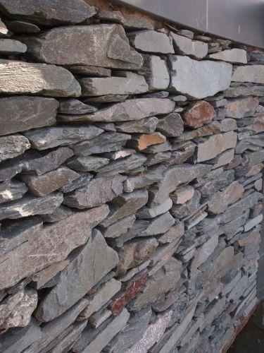 Mauersteine Schiefer Grün verarbeitet