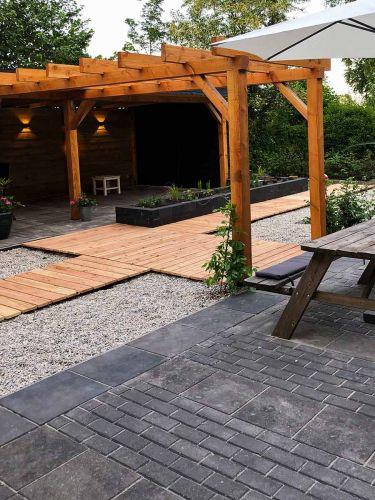 Witte grind 8 - 16mm aangelegde tuin