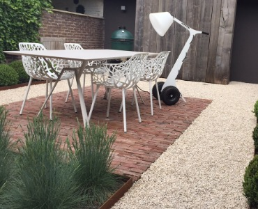 Een terras aanleggen: het grindterras