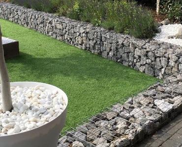 Tuinafscheiding van steen, wat is er allemaal mogelijk?