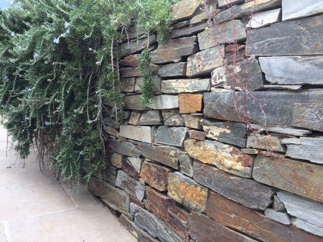 trockenmauer quarzit